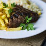 新宿でがっつりお肉を食べたい時には!おいしいステーキ厳選17選