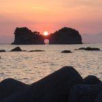 関西から日帰りで行ける!奇跡の夕日スポット【円月島】を巡る旅。