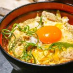 黄金に輝く親子丼…!とろとろ卵の「究極の親子丼」がほんとに究極だった