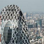 新宿でも目立つ繭のビル!東京モード学園コクーンタワーとは?