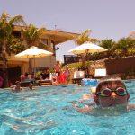 水着で楽しめる!沖縄県にある「Terme VILLA ちゅらーゆ」の天然温泉プールで遊ぶ