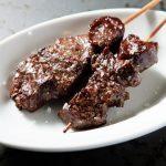 肉の新時代!溶岩石で焼き上げた厳選肉を串焼きで手軽に食す「肉PUB」がオープン!