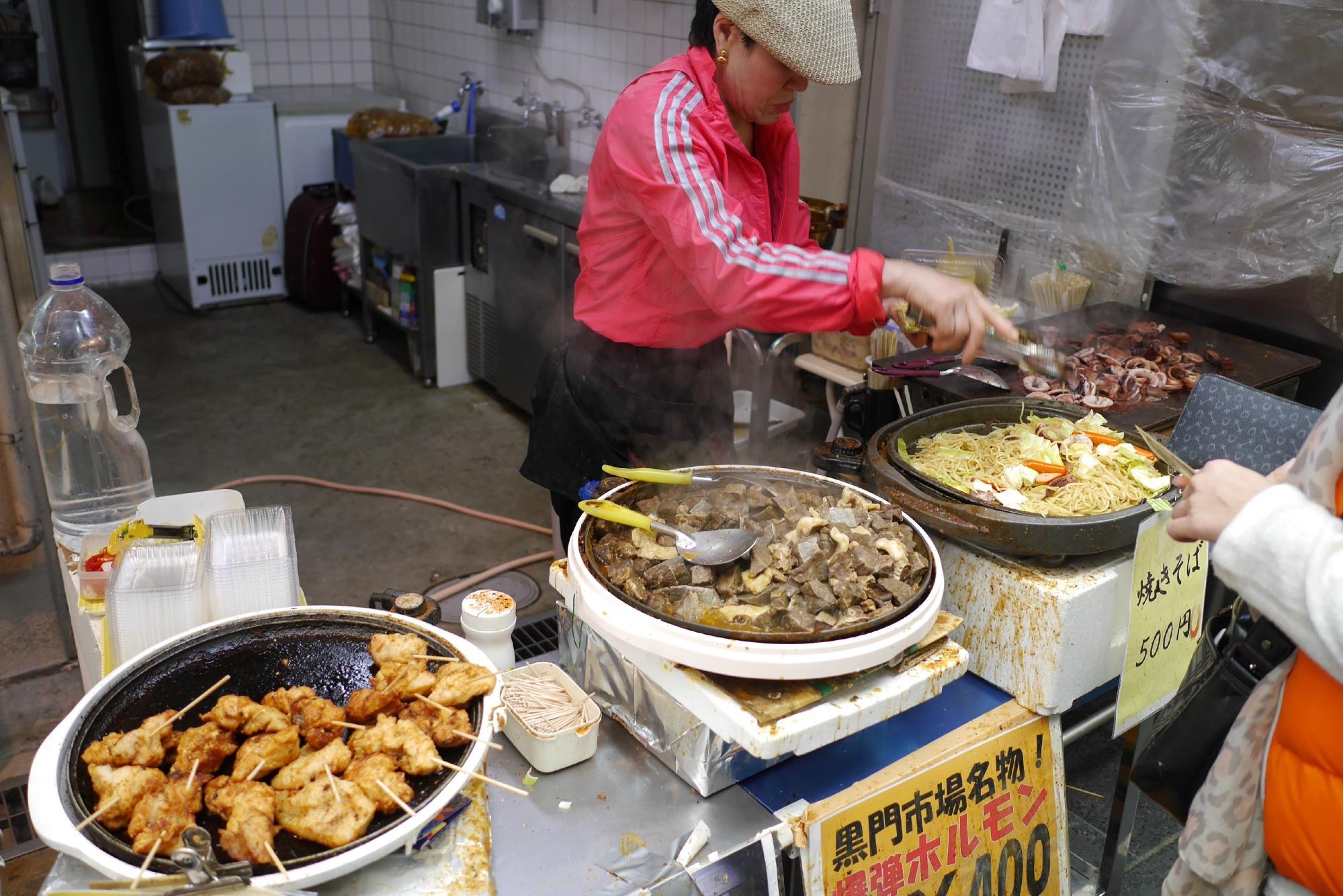 本格的なうまいが楽しめる大阪の台所・黒門市場で食べ歩き!おすすめ5選