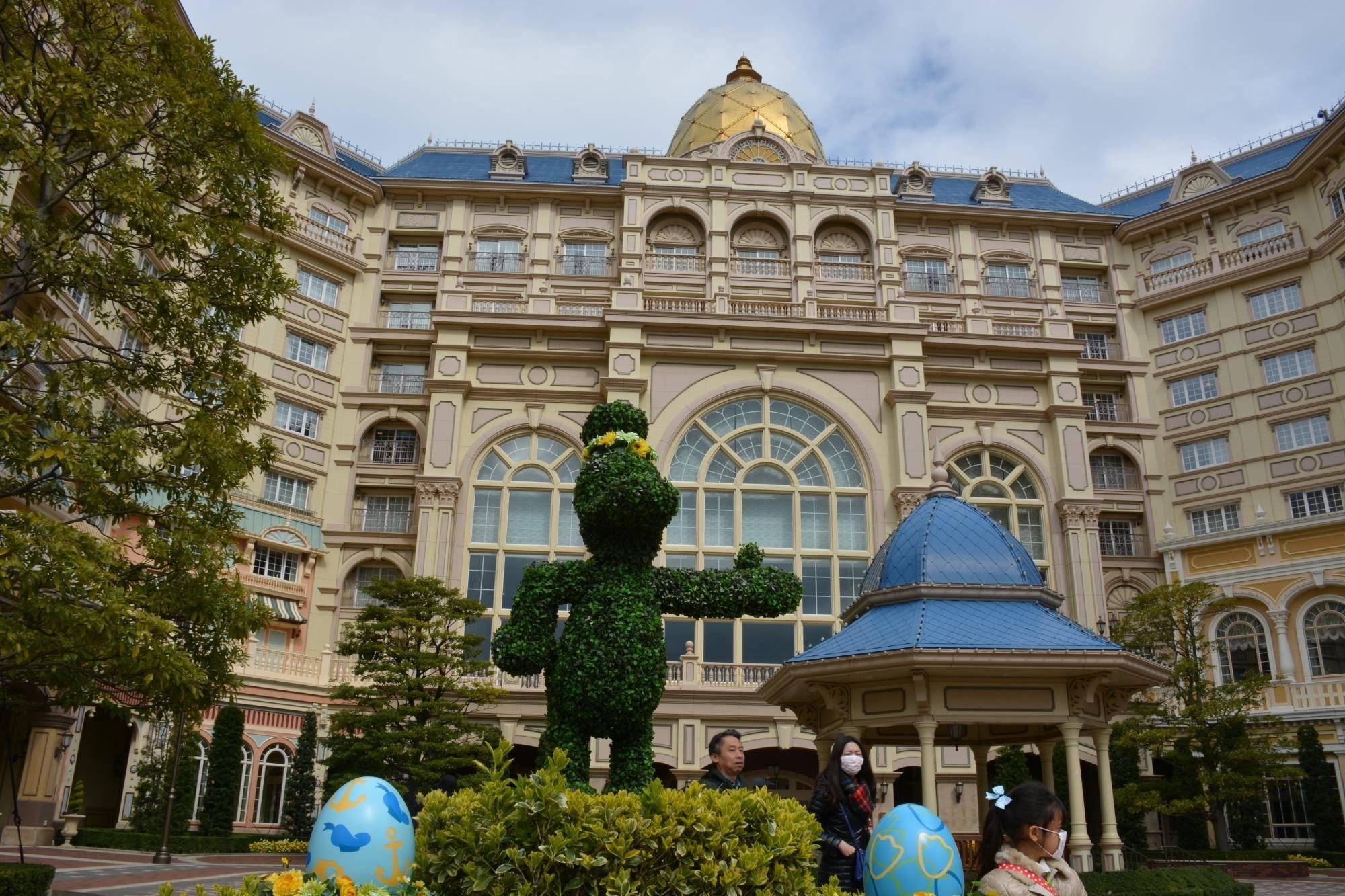 東京ディズニーランドホテルのレストランや宿泊者限定のプールなど