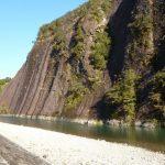 巨大な一枚岩に圧倒される!和歌山県にある「一枚岩」の魅力